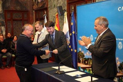 Cabildo de Tenerife reconoce a 36 nuevos artesanos en la isla