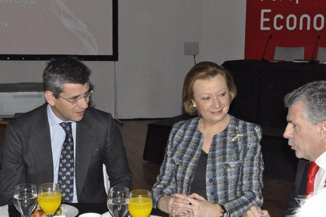 El director de Heraldo, Mikel Iturbe, y la presidenta, Luisa Fernanda Rudi.