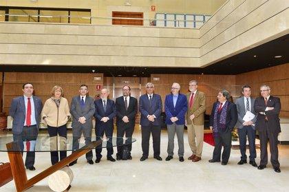 Junta y universidades impulsan un fondo reembolsable para iniciativas emprendedoras de 22,3 millones de euros