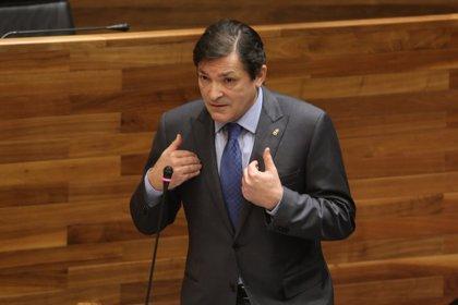 """Javier Fernández pide al PP que deje las """"descalificaciones"""" y que apoye el """"desafío"""" del traslado al HUCA"""