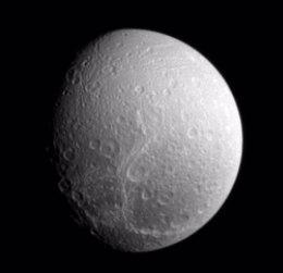 Dione, Luna de Saturno