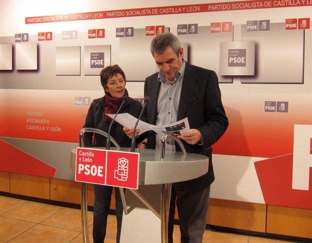 Julio Villarrubia y Mercedes Martín en rueda de prensa.