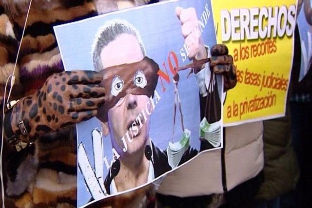 Protestan contra privatización del Registro Civil