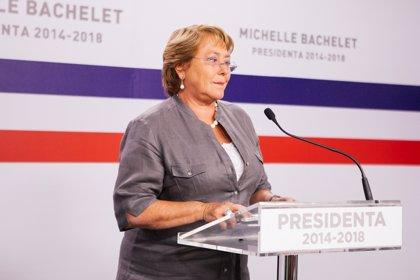 Bachelet oficializa cambio de subsecretarios en su equipo