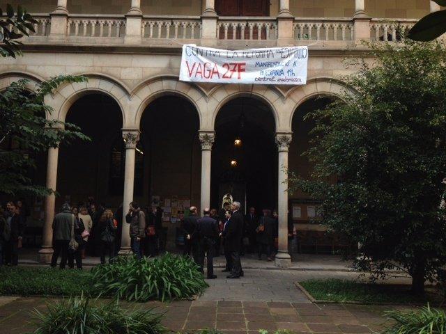 Protesta sobre los nuevos Estatutos de la Universitat de Barcelona