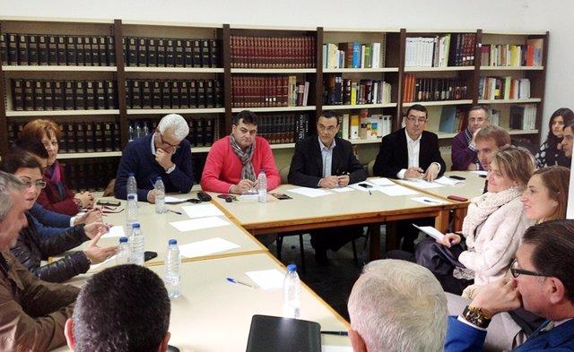El presidente de la Diputación de Huelva, Ignacio Caraballo, en una reunión.