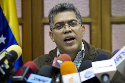 Jaua acusa a Capriles de querer repartirse el poder con la oposición