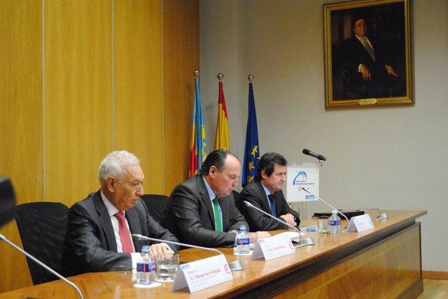 Margallo, Morata y Císcar en la clausura de la jornada cameral.