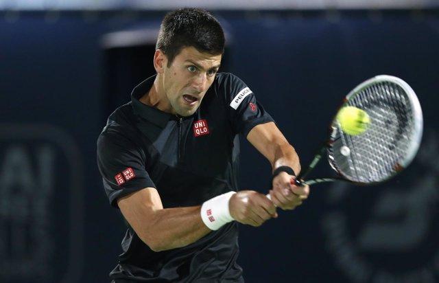 Novak Djokovic en el torneo de Dubai