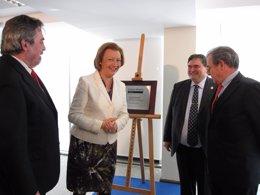 Rudi, Belloch, Sarasa y Grifols en la inauguración de la sede de Araclon Biotech
