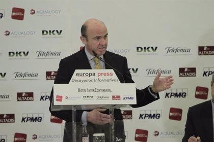 El ministro Guindos asegura que España devolverá la recaudación del céntimo sanitario