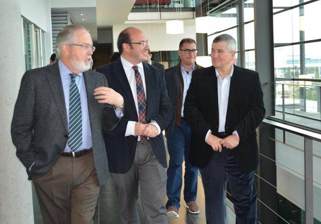 Imagen de la reunión de la consejería con la FROET
