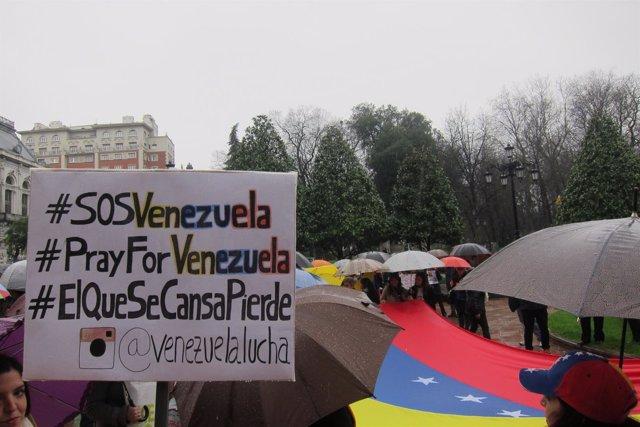 Manifestación de venezolanos en Asturias