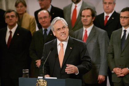 Piñera defiende su derecho a opinar sobre sentencias