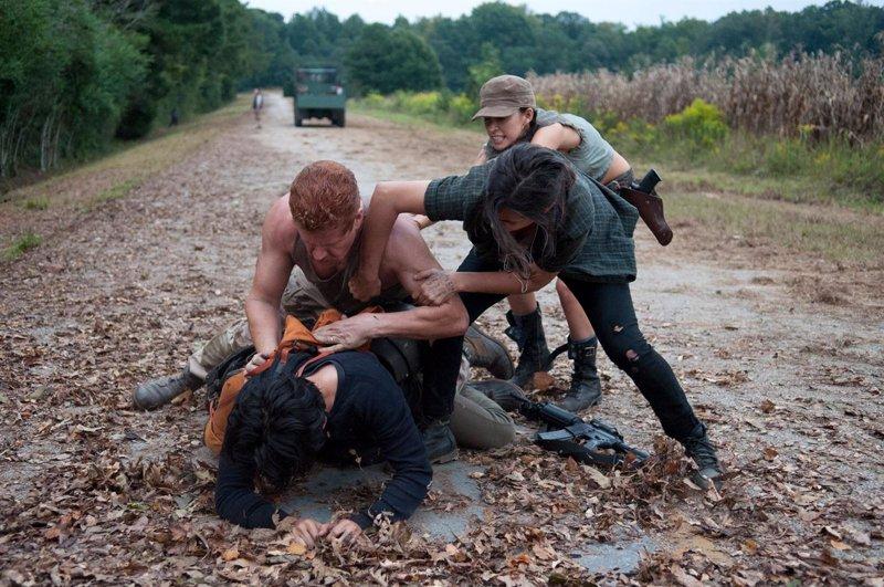 Dos nuevos avances de The Walking Dead: Alone