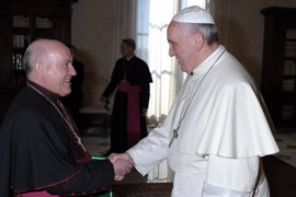 El Papa pide a obispos españoles que no olviden su historia