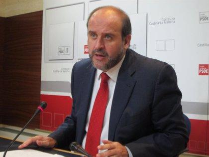 """PSOE dice que """"en absoluto"""" la Junta """"está al día en los pagos"""""""