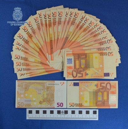 Detenido un joven en Badajoz al que le constaba una orden de ingreso en prisión y que portaba 3.150 € falsos