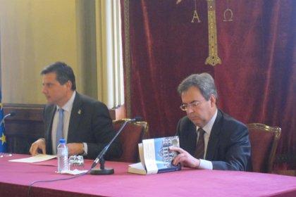 """El profesor Rodríguez Buznego cree que los partidos """"han acaparado demasiado poder"""""""