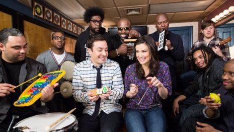 Idina Menzel en Tonight Show con Jimmy Fallon