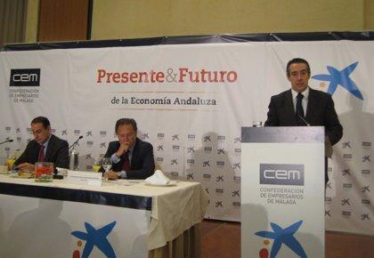 CaixaBank firma un convenio con la CEM y se compromete a conceder 400 millones en créditos
