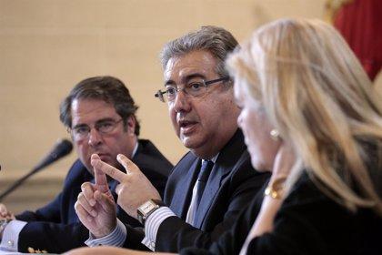 Zoido anuncia un observatorio, app para reservas y marketing digital a 100 empresas, por 500.000 euros