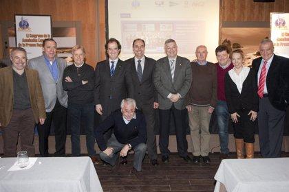 F.Comillas.- Diego propone que jóvenes periodistas deportivos extranjeros realicen estudios de español en Comillas