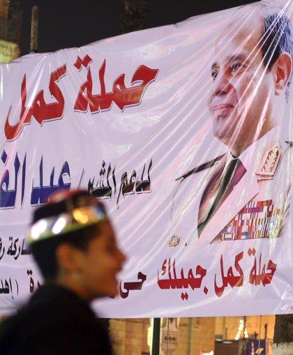 """Al Sisi dice que la situación económica de Egipto es """"muy difícil"""""""