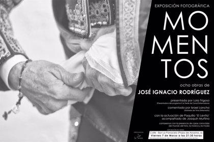 El extremeño José Ignacio Rodríguez expone fotografías taurinas en un bar en Olivenza (Badajoz)