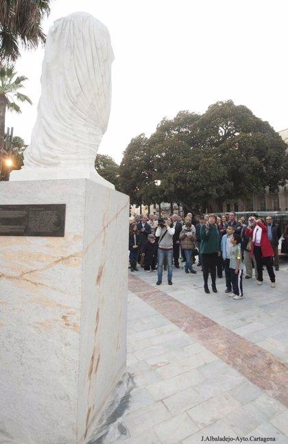 Una estatua del emperador romano Augusto vuelve al centro de Cartagonova