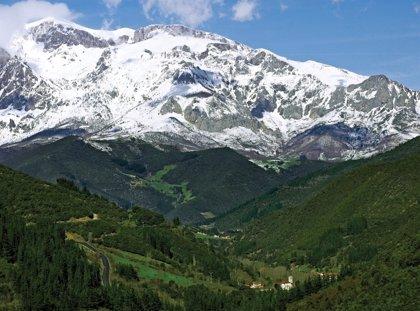 La AEMET advierte del riesgo de aludes en los Picos de Europa por encima de los 2.000 metros
