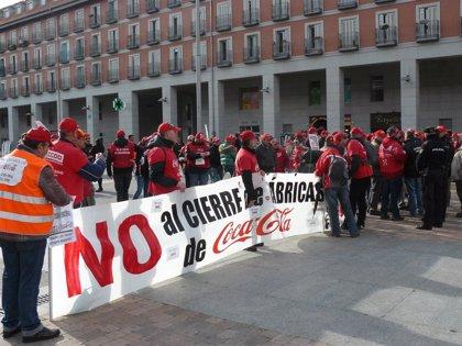 Economía.- CCOO avisa a Coca-Cola que pese a su inversión en los medios, de no retirar el ERE seguirá habiendo conflicto