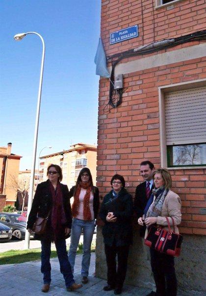 La capital segoviana dedica a la igualdad la antigua Plaza de la Sección Femenina