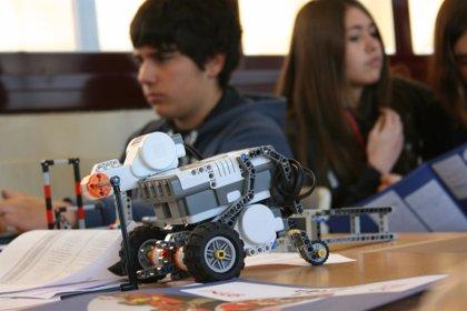 Unos 200 jóvenes participan en la US en la First LEGO League