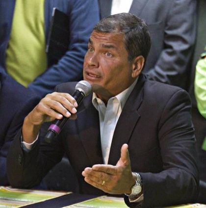 Correa anuncia a su nueva ministra de Transporte