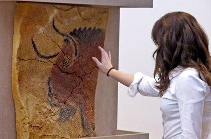 El Museo de Altamira celebra este fin de semana el Día de la Mujer con entrada gratuita y una visita teatralizada
