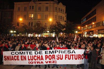 CANTABRIA.-Las mujeres de Sniace, protagonistas de la manifestación de este viernes en Torrelavega