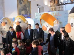 El presidente de la Xunta acude a un acto de Os Bolechas sobre salud.