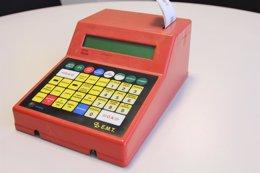Antigua consola para expender billetes sencillos de la EMT