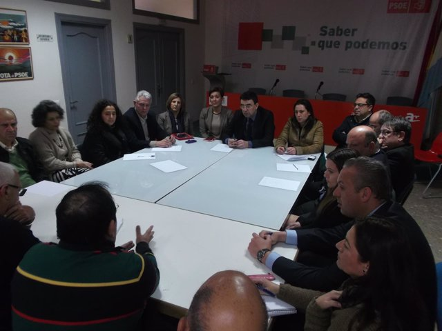Mario Jiménez (PSOE-A) se reúne con colectivos en La Línea