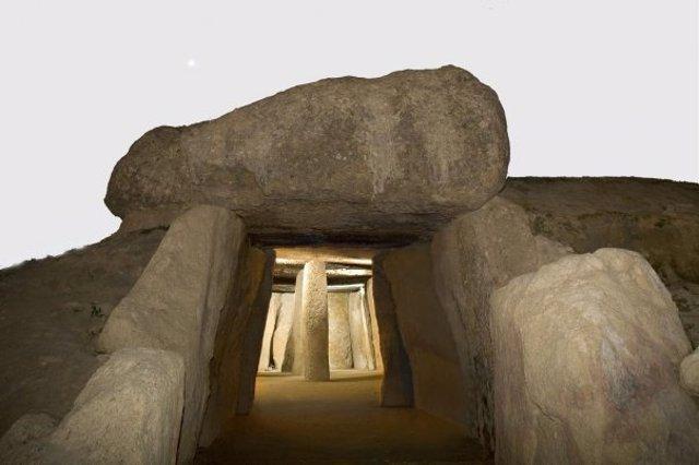 Dólmen de antequera  dólmenes unesco patrimonio humanidad