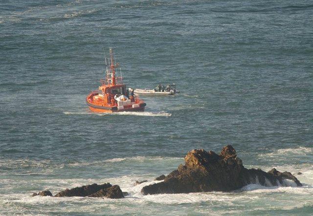 Búsqueda de los pescadores del barco 'Santa Ana' en el Cabo Peñas