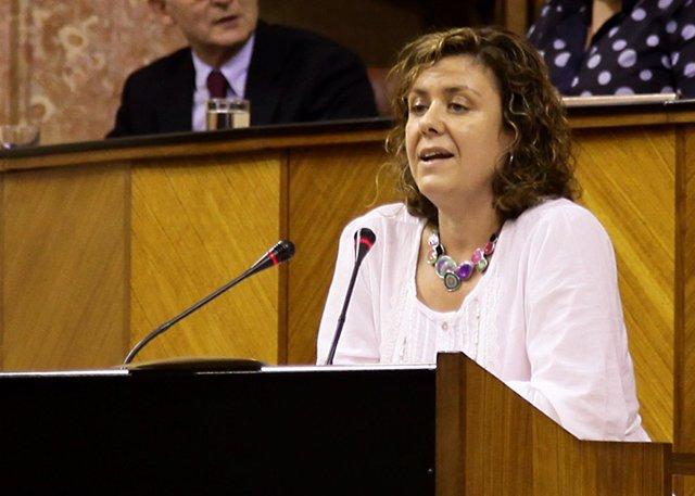 Alba Doblas en el pleno del Parlamento