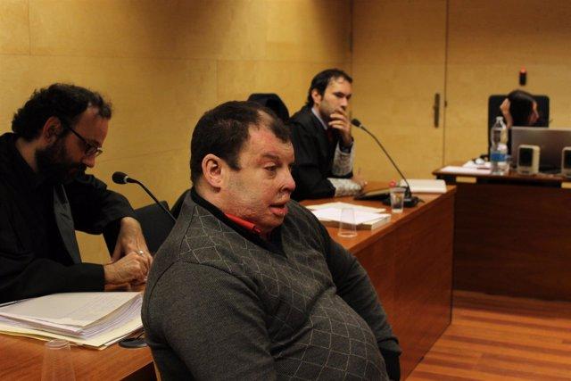 MIguel S.,acusado de matar a su mujer quemándola en 2006 en Girona