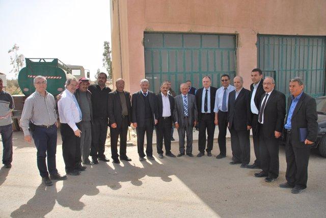 Representantes de las ciudades participantes reunidos en Jordania