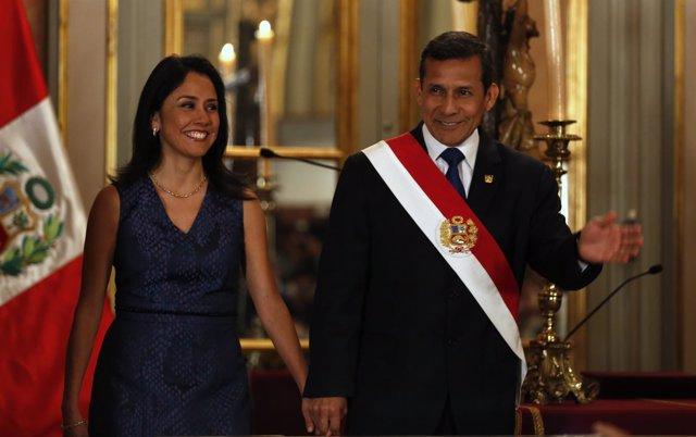 La primera dama, Nadine Heredia, y el presidente de Perú, Ollanta Humala.