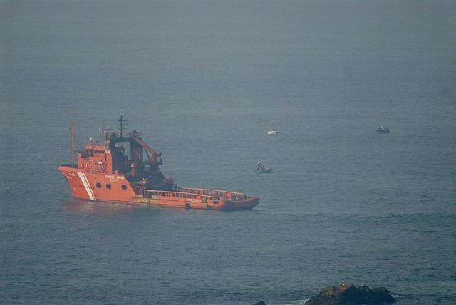 Rescate barco 'Santa Ana' en el Cabo Peñas