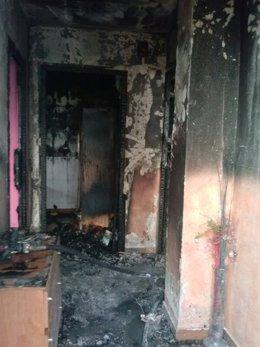 Imagen de la vivienda afectada por el fuego en Andújar