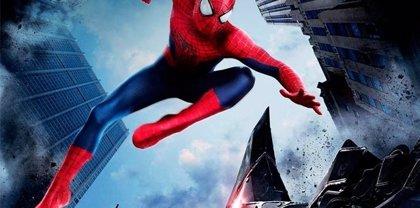 Spiderman y Rhino en combate en nueva imagen de 'The Amazing Spiderman 2'