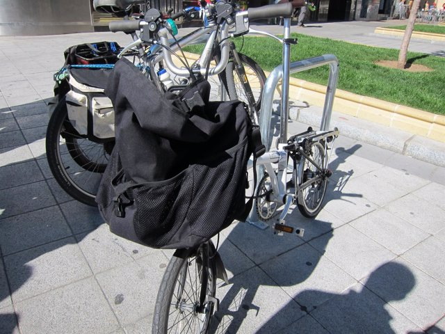 Nuevo sistema de aparcamiento de bicicletas en la avenida de Villamayor